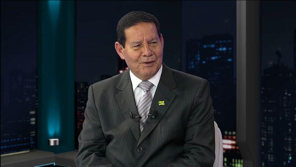 Conheça assistindo: General MOURÃO em `{`É Notícia`}` - General Hamilton Mourão - Completo 29 10 2018 em `{`É Notícia`}`